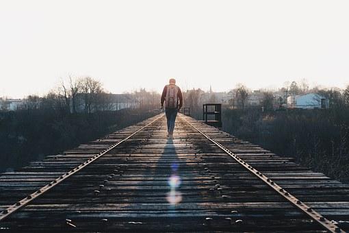 guy_train_tracks